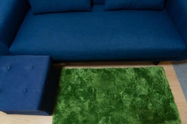 LOWYAのソファーにスツール